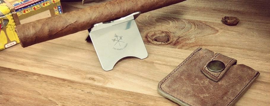 Les Fines Lames Cigar Stand